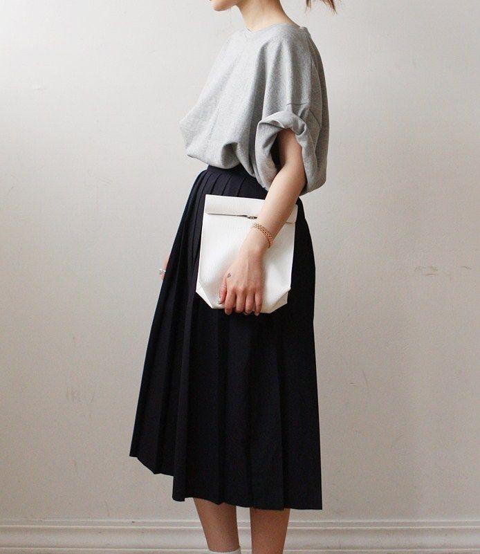 minimal style oversize skirt