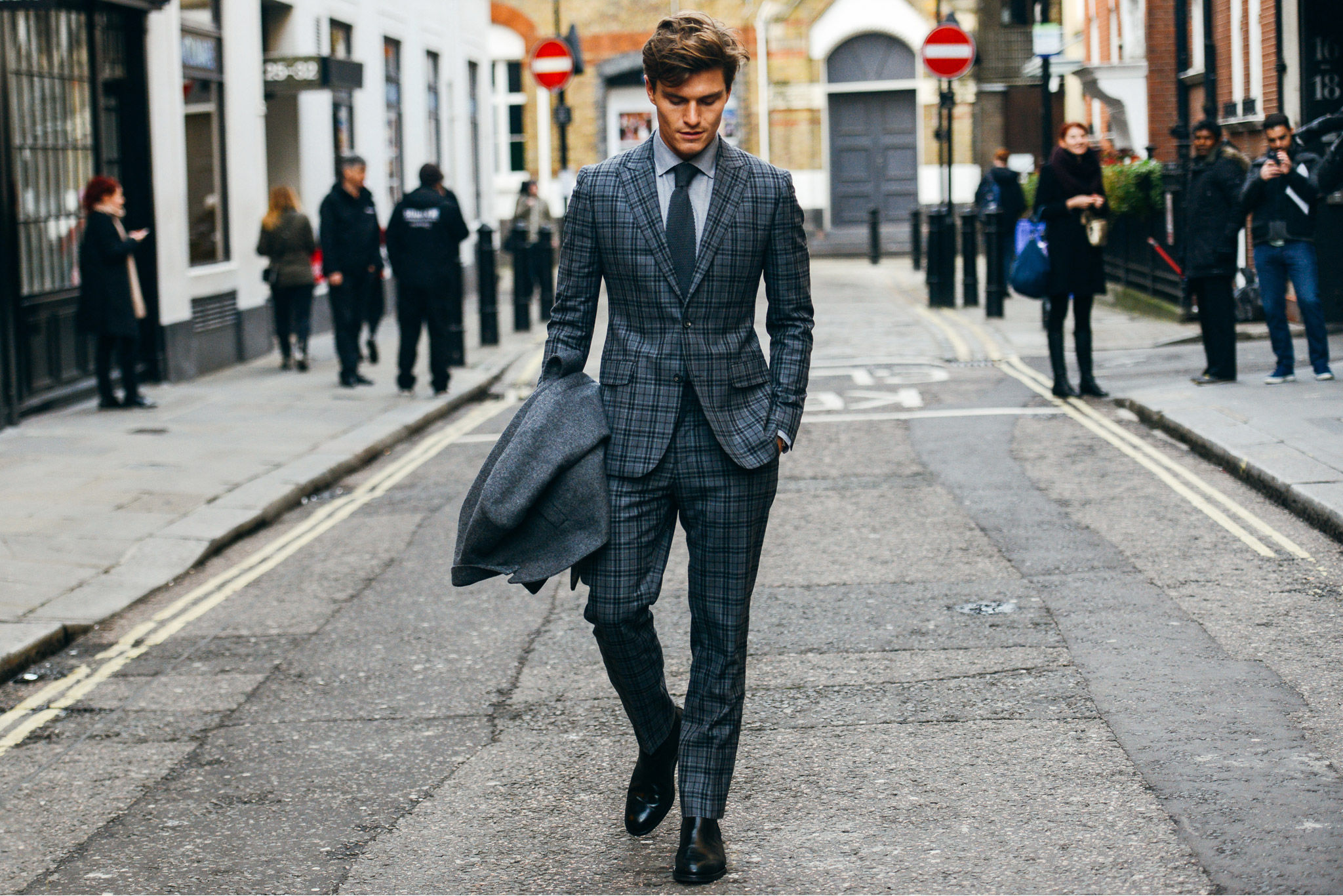 Classics of the English style in the male image